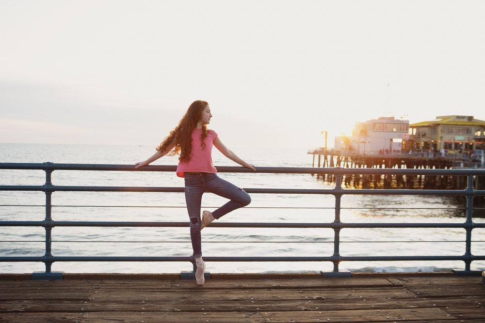 teen-girls-on-pier-santa-monica-29.jpg