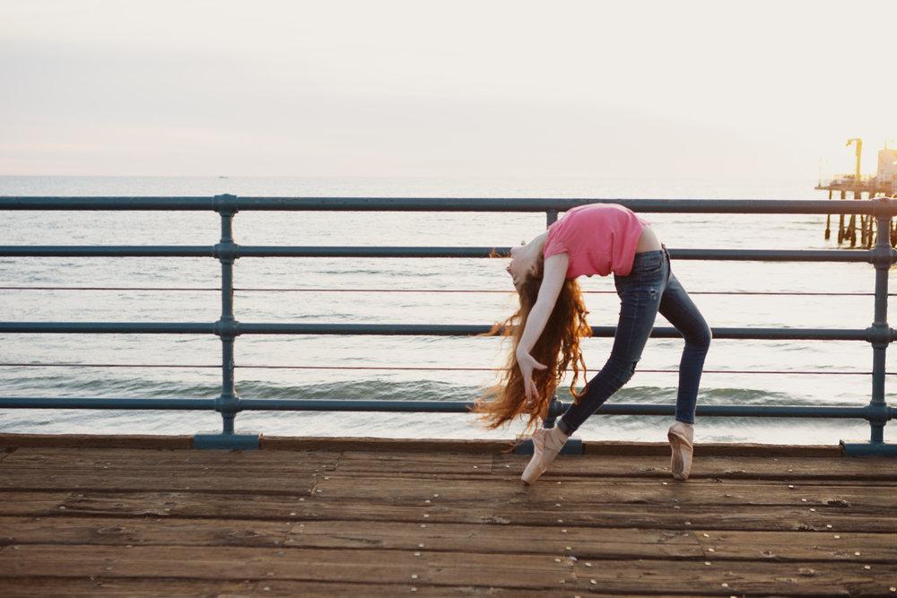 teen-girls-on-pier-santa-monica-33.jpg