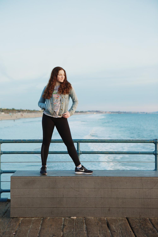 teen-girls-on-pier-santa-monica-38.jpg