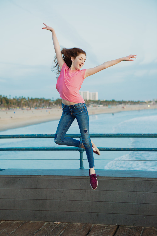 teen-girls-on-pier-santa-monica-45.jpg