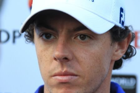 Rory McIlroy speaks to reporters after his opening round in Dubai. Photo Eoin Clarke/www.golffile.ie