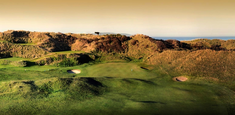 Massive dunes are one of the hallmarks of The Island. Picture ©  theislandgolfclub.com