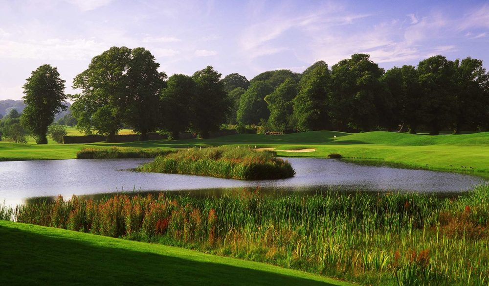 The view across the lake to the 18th green. ©  MountJuliet.ie