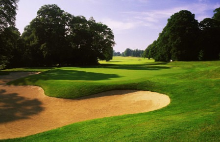 Avoiding the sand is just part of the tactical challenge. © MountJuliet.ie