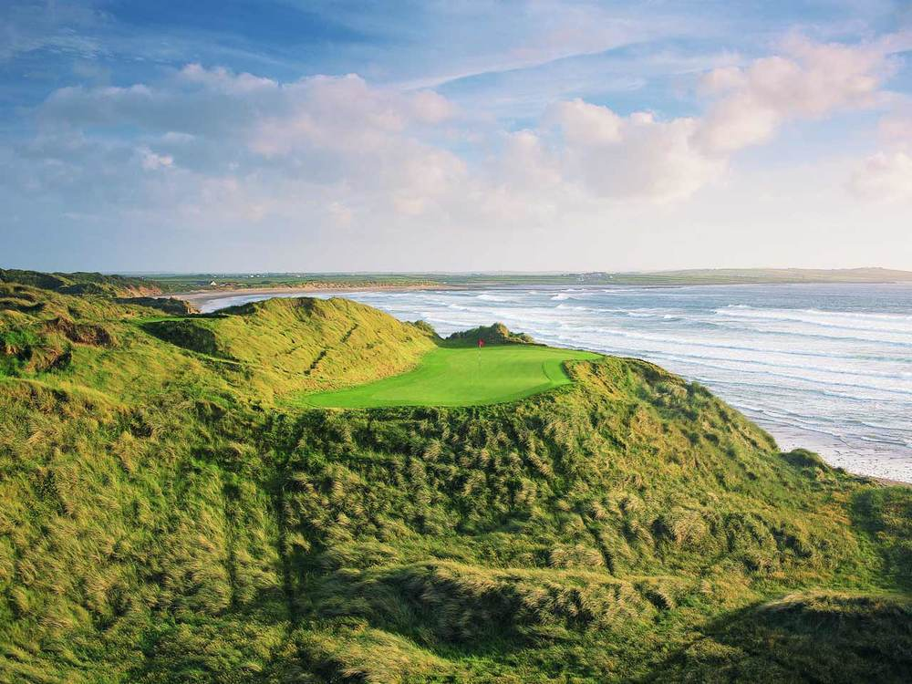 The par-three 14th at Doonbeg. Picture via  Doonbeg Golf Club