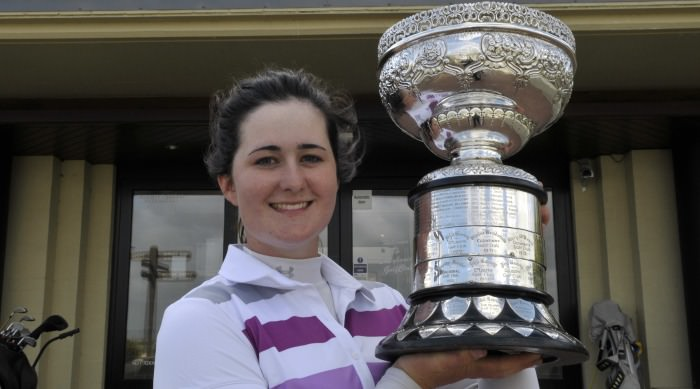 Paula Grant with the 2013 Irish Ladies Close Championship trophy. Picture Pat Cashman / cashmanphotography.ie