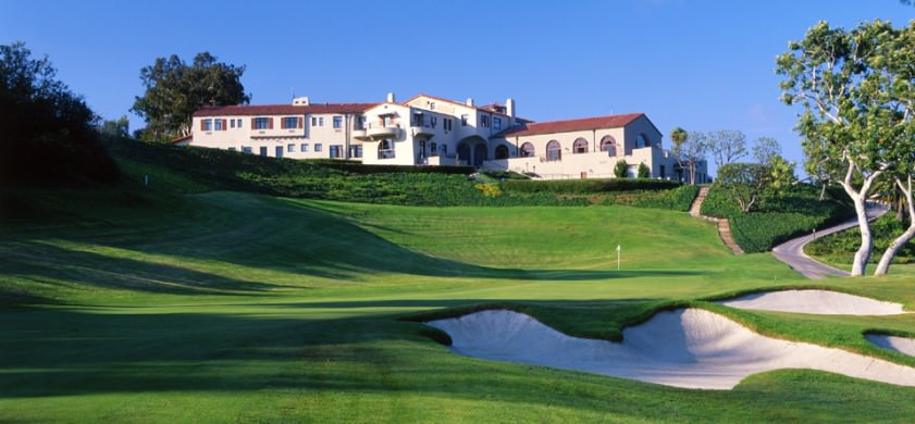 The clubhouse and the 18th at The Riviera Country Club in Los Angeles. © Rivera Country Club