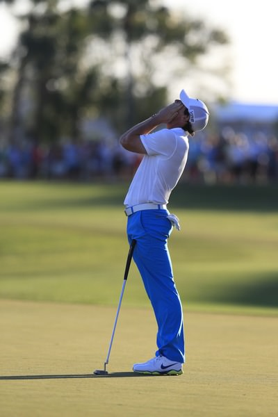 Rory McIlroy laments his birdie miss on the 18th. Picture Fran Caffrey  www.golffile.ie