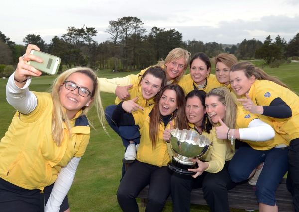 "Leinster's Ariana Coyle Diez takes a ""selfie"" of the winning Leinster Women's team after their victory at the Women's Interprovincial Matches at Tramore Golf Club. Picture by Pat Cashman / www.cashmanphotography.ie"