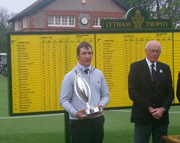 Thriston Lawrence with the Lytham Trophy. Picture Andrew Pennington  @andyp_2