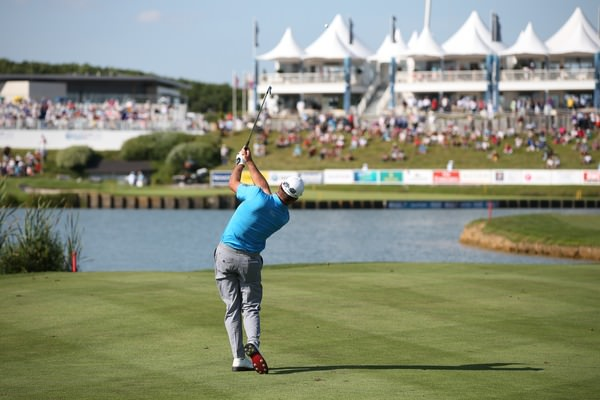 Graeme McDowell plays second shot to the last at Le Golf National, Picture: David Lloyd /  www.golffile.ie