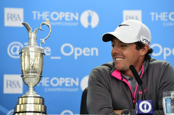 Rory McIlroy admires the Claret Jug. Picture Eoin Clarke www.golffile.ie