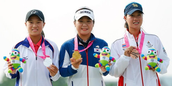 Chinese Taipei's Cheng Ssu-Chia,   South Korea's Lee Soyoung and   Supamas Sangchan from Thailand with their medals.