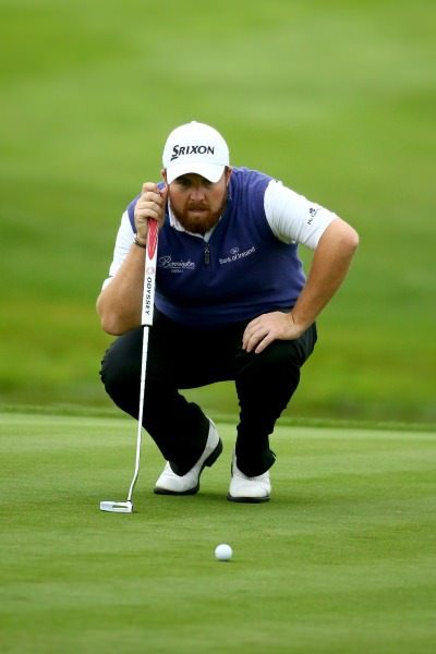 Shane Lowry with his trusty putter. Picture © Getty Images