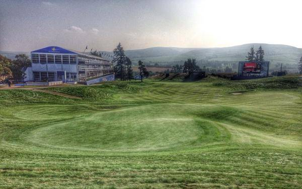 There are several run-offs around the 18th green at Gleneagles.  Picture © Brian Keogh