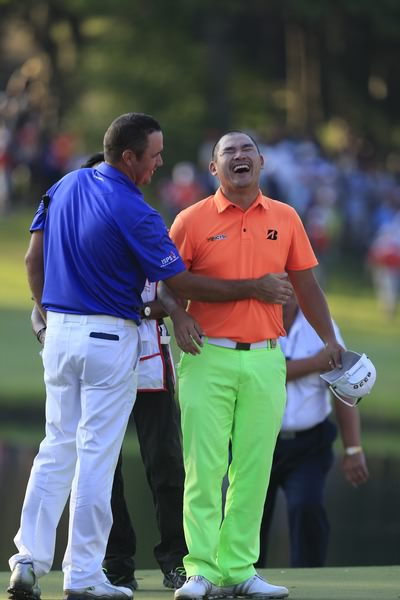 Scott Hend and Angelo Que share a joke. Picture: Thos Caffrey / www.golffile.ie