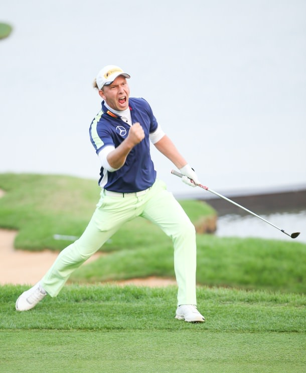 Marcel Siem chips in to win the BMW Masters in a play-off at Lake Malaren. Picture courtesy  www.bmw-golfsport.com