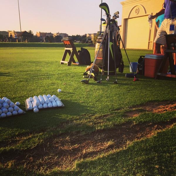 "Rory McIlroy back in action: ""First range session of 2015 done... First couple of swings after 4 weeks without touching a club were interesting!"" Picture © Rory McIlroy/Twitter"