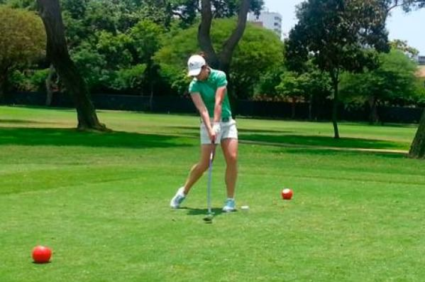 Maria Dunne tees off in the final round of the  South American Amateur Championship in Peru.