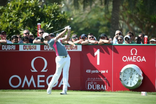 Rory McIlroy gets his third round underway in Dubai. Picture © Getty Images