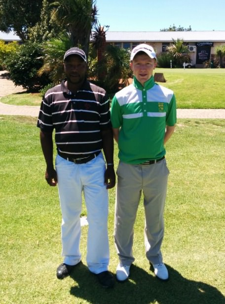 Gavin Moynihan with his caddie Alan Nzuzo, a three-handicapper at Port Elizabeth GC.