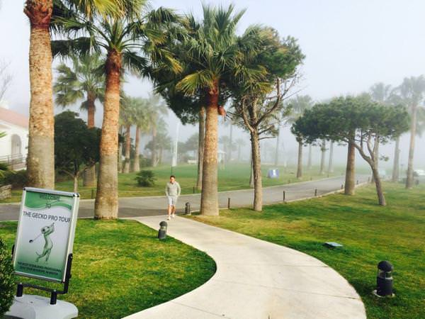 The fog at El Parador. Picture via ten-golf.es