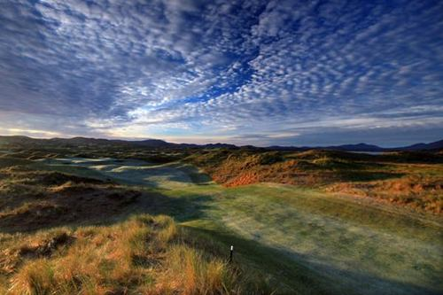 SANDY HILLS GOLF LINKS, ROSAPENNA. PICTURE VIA  ROSAPENNA.IE