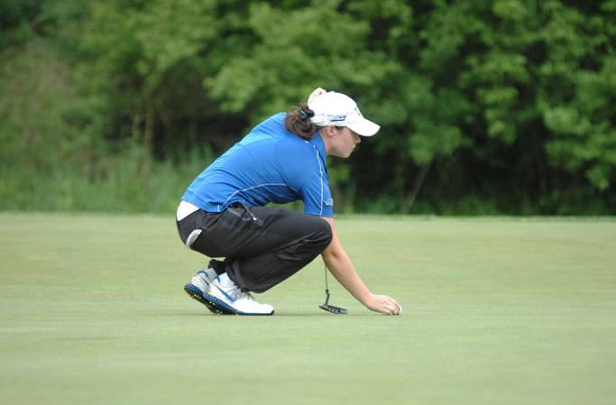 Lisa Maguire lines up a putt. Photo By: Lindy Brown, Duke Sports Information