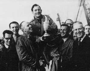 Fred Daly with the Claret Jug in 1947