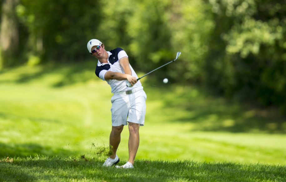 Sam Horsfield watches his second shot on the 14th hole during the first round of match play of the 2015 U.S. Amateur at Olympia Fields Country Club in Olympia Fields, Ill. on Wednesday, Aug. 19, 2015.  (Copyright USGA/John Mummert)