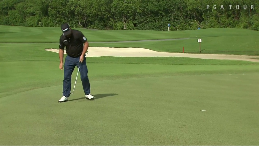 McDowell holes another putt in Mexico