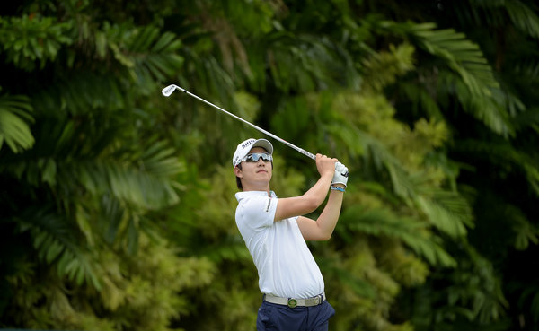 SINGAPORE- Younghan Song of Korea during round two of the SMBC Singapore Open. Picture by Paul Lakatos / Lagardère Sports.