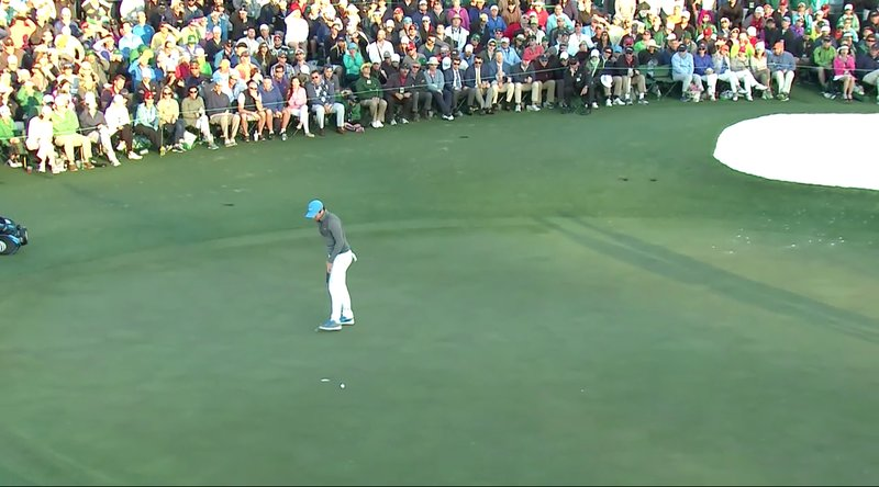 Rory McIlroy missed his birdie putt at the last