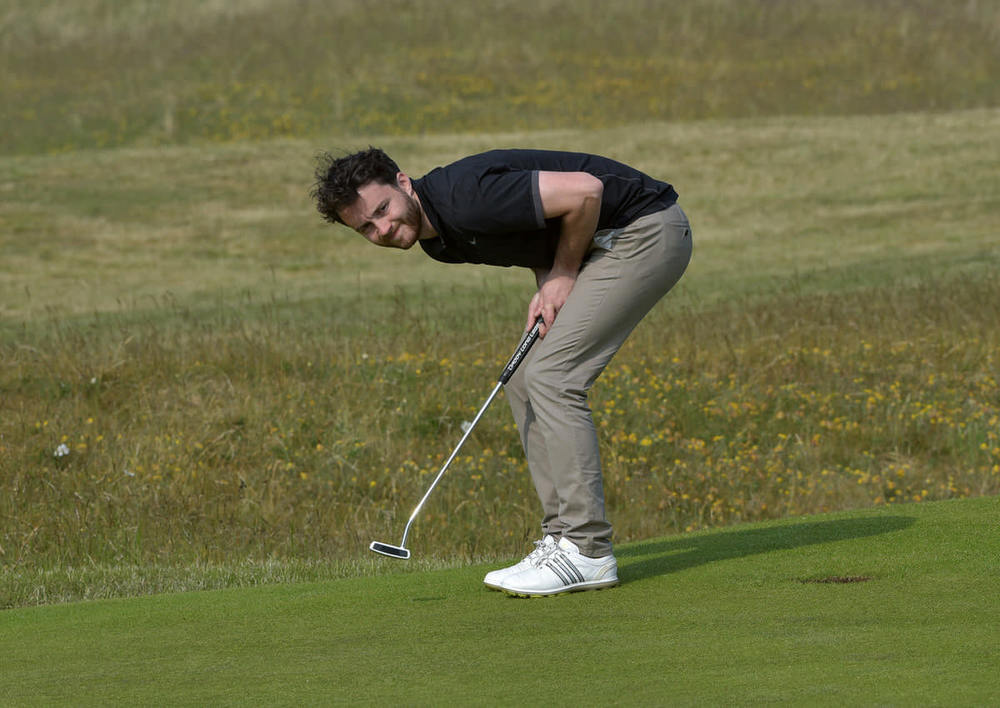 Gerard Dunne (Co Louth) reacts as he misses his birdie putt on the 15th green during the final round. Picture by  Pat Cashman