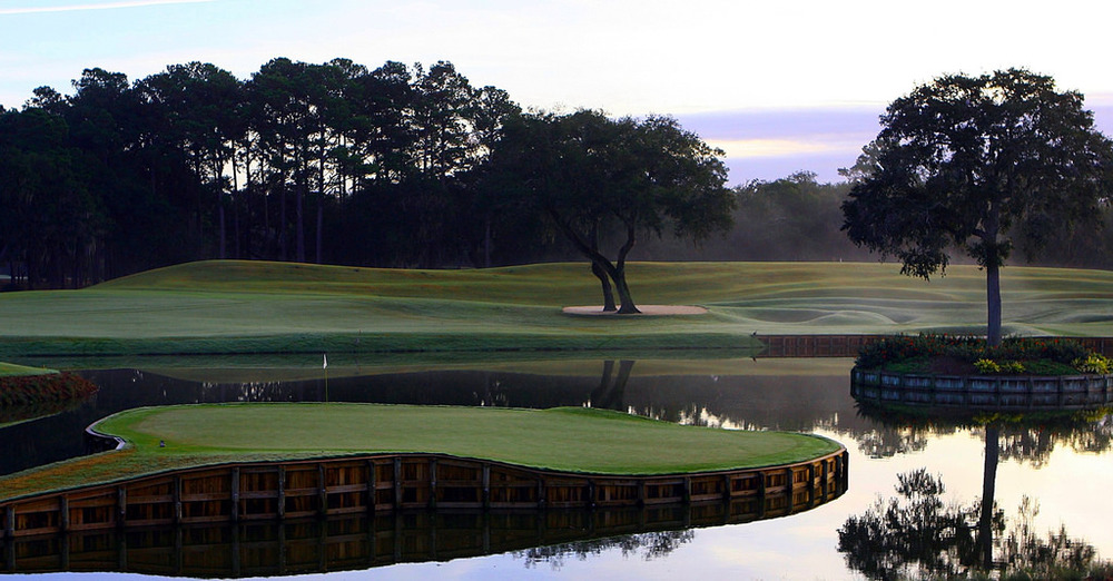 The 17th at TPC Sawgrass. By Craig ONeal - Flickr, CC BY-SA 2.0,