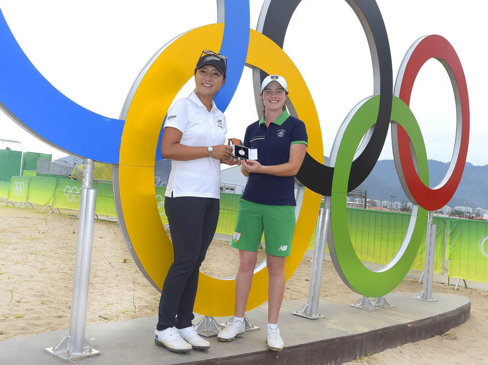 Lydia Ko presents the Mark McCormack Medal to Leona Maguire in Rio de Janeiro on Tuesday. The R&A