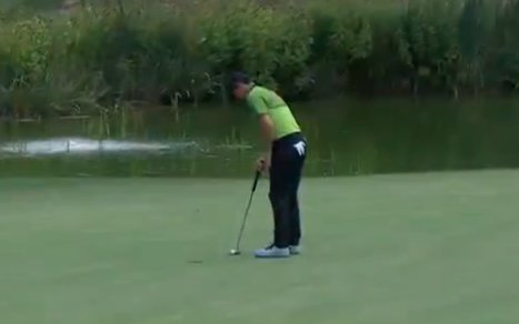 Rory McIlroy missed this short putt on the eighth