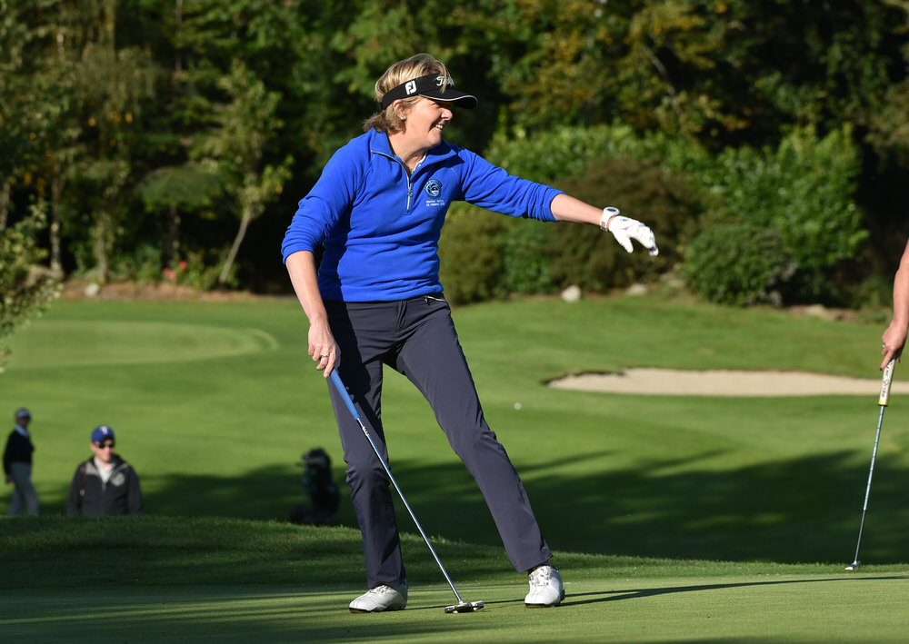 Deirdre Russell, who missed this putt on the 20th, got the winning putt at the 21st. Picture:  Pat Cashman