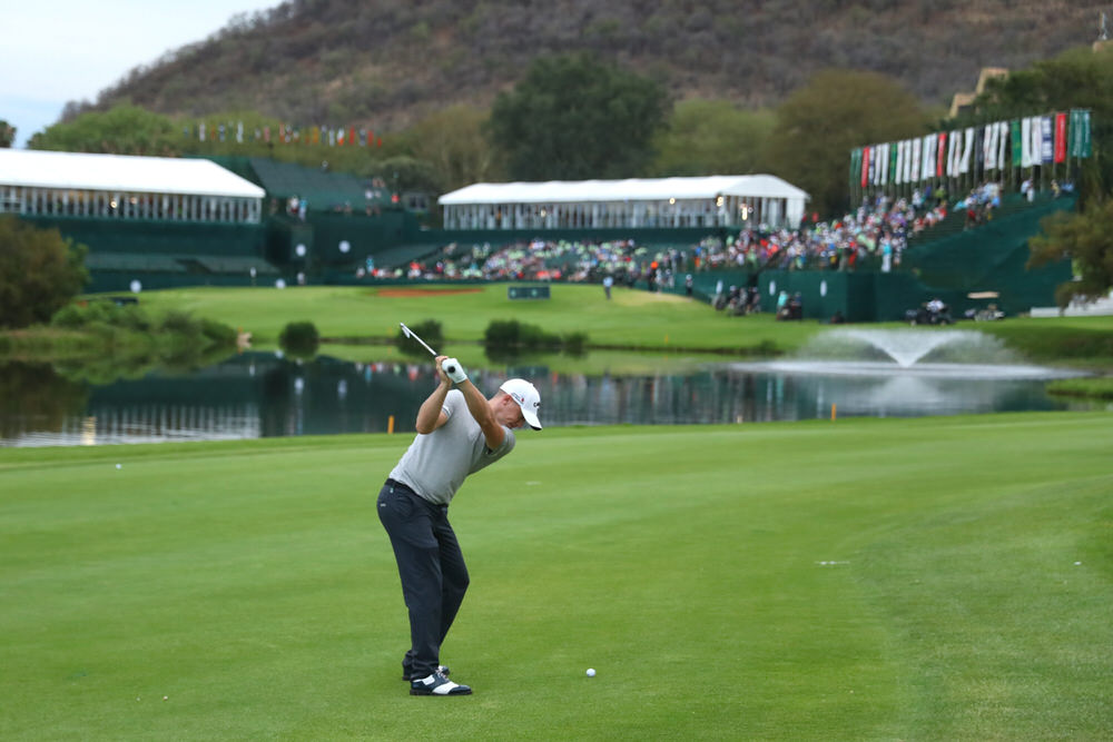 SUN CITY, SOUTH AFRICA - NOVEMBER 11: Alex Noren of Sweden hits his second shot on the 18th hole during day two of the Nedbank Golf Challenge at Gary Player CC on November 11, 2016 in Sun City, South Africa. (Photo by Warren Little/Getty Images)