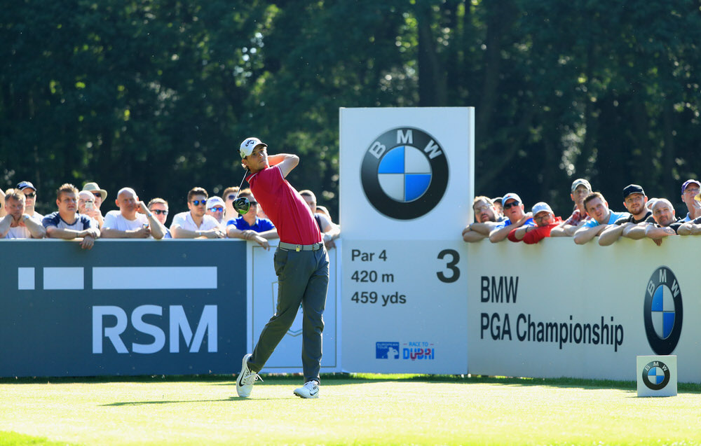 VIRGINIA WATER, ENGLAND - MAY 26: Thomas Pieters of Belgium tees off on the 3rd hole during day two of the BMW PGA Championship at Wentworth on May 26, 2017 in Virginia Water, England. (Photo by Andrew Redington/Getty Images)