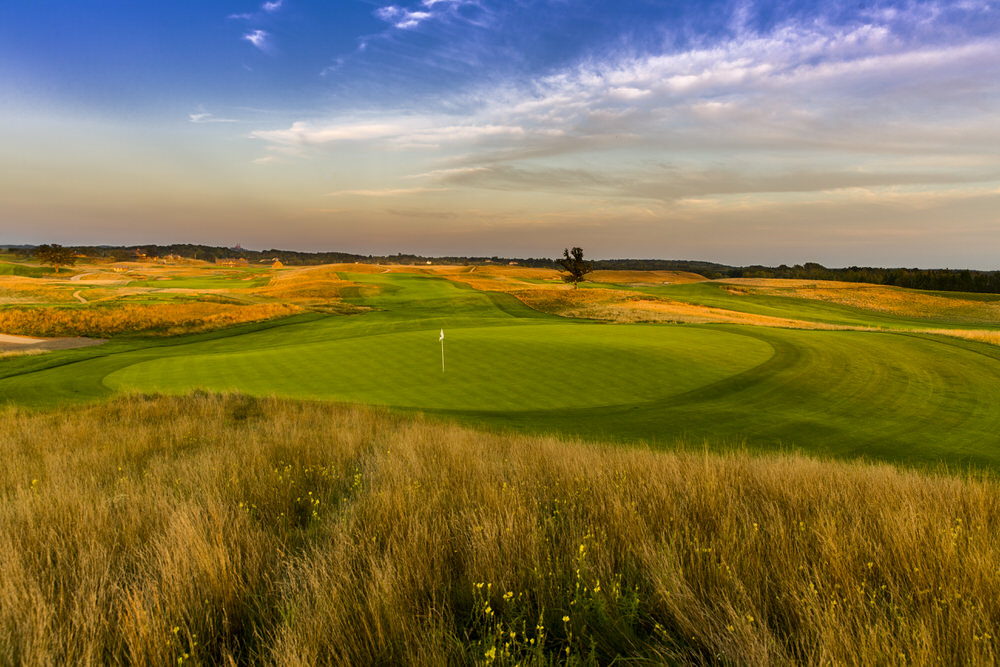 The 7th Hole of Erin Hills in Erin, Wis. on Sunday, Aug. 28, 2016.  (Copyright USGA/John Mummert)