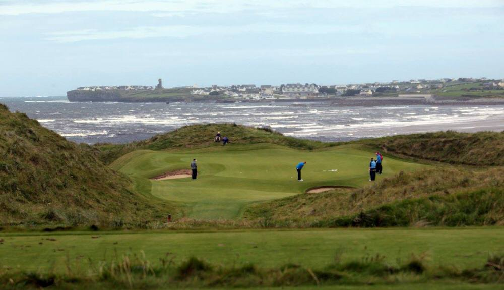 The 11th at Lahinch. Picture courtesy © Gordon Adair