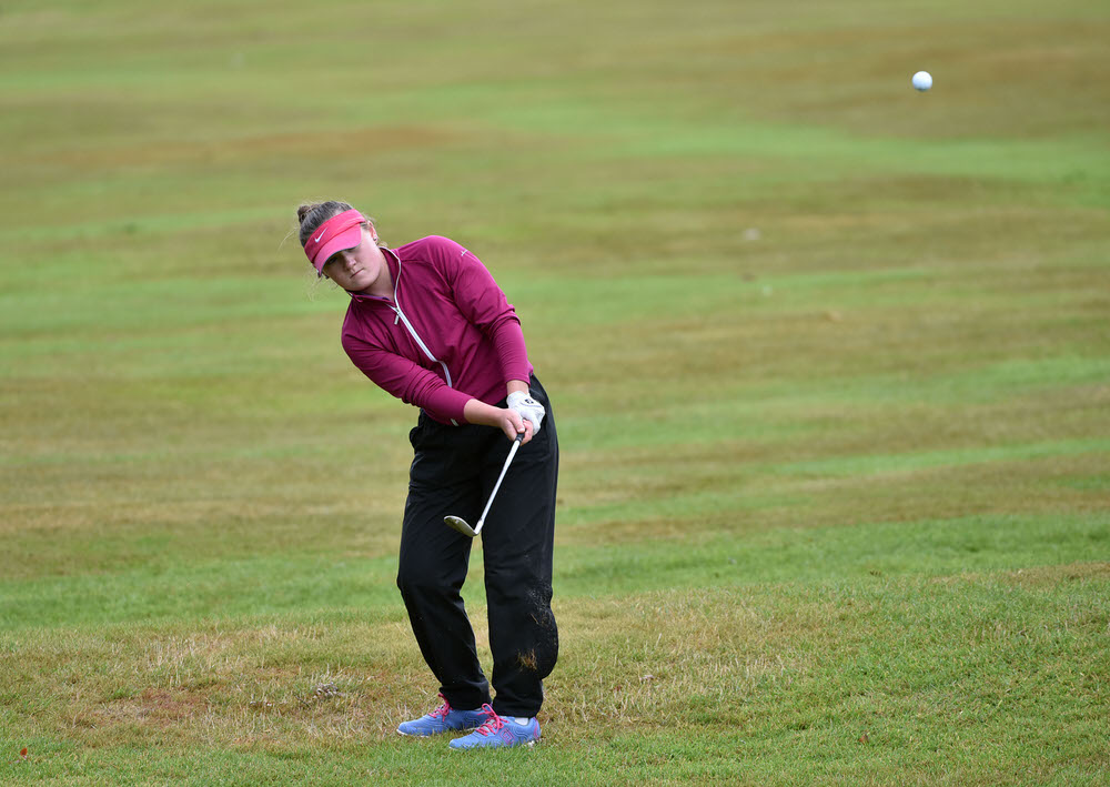 Valerie Clancy (Killarney) pitching to the 18th green during her quarter final match at the 2017 Irish Girls Close Championship at Mallow Golf Club. Picture by  Pat Cashman