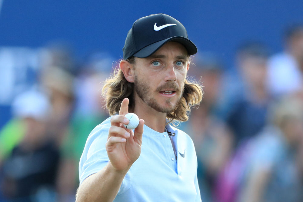 DUBAI, UNITED ARAB EMIRATES - NOVEMBER 18:  Tommy Fleetwood of England acknowledges the crowd on the 18th hole during the third round of the DP World Tour Championship at Jumeirah Golf Estates on November 18, 2017 in Dubai, United Arab Emirates.  (Photo by Andrew Redington/Getty Images)