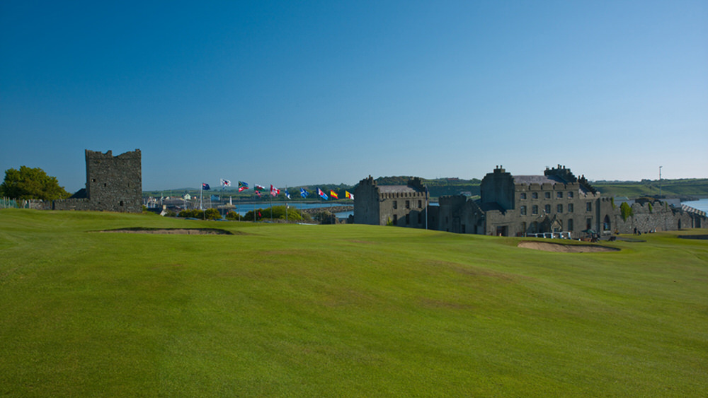 The 18th with the club's historic clubhouse as its backdrop