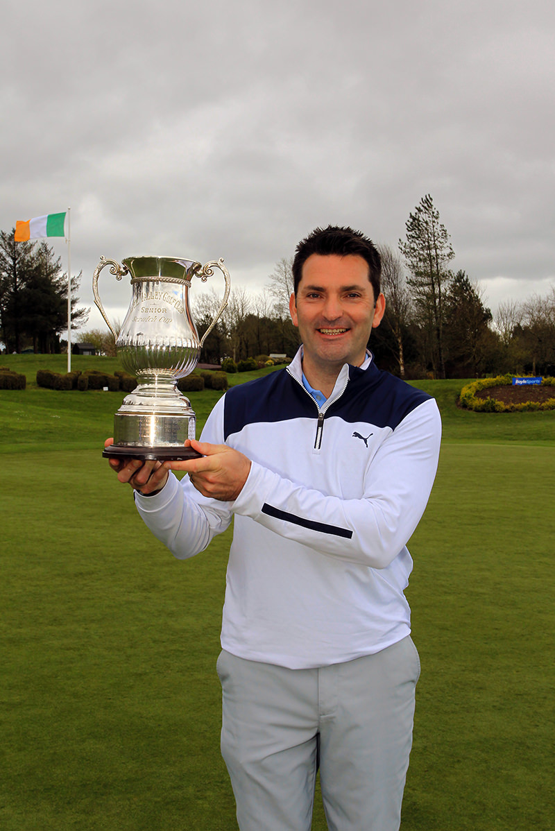 Gary O'Flaherty (Cork) with the Lee Valley Scratch Cup. Picture: Niall O'Shea