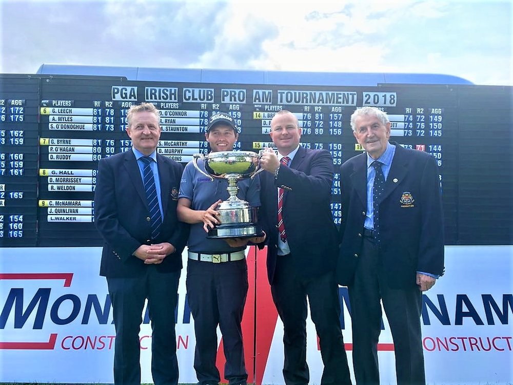 Neil O'Briain with Dromoland GC Captain Niall Cannon, Dromoland Golf Manager, Mark Reynolds and Dromoland GC President, John Halloran