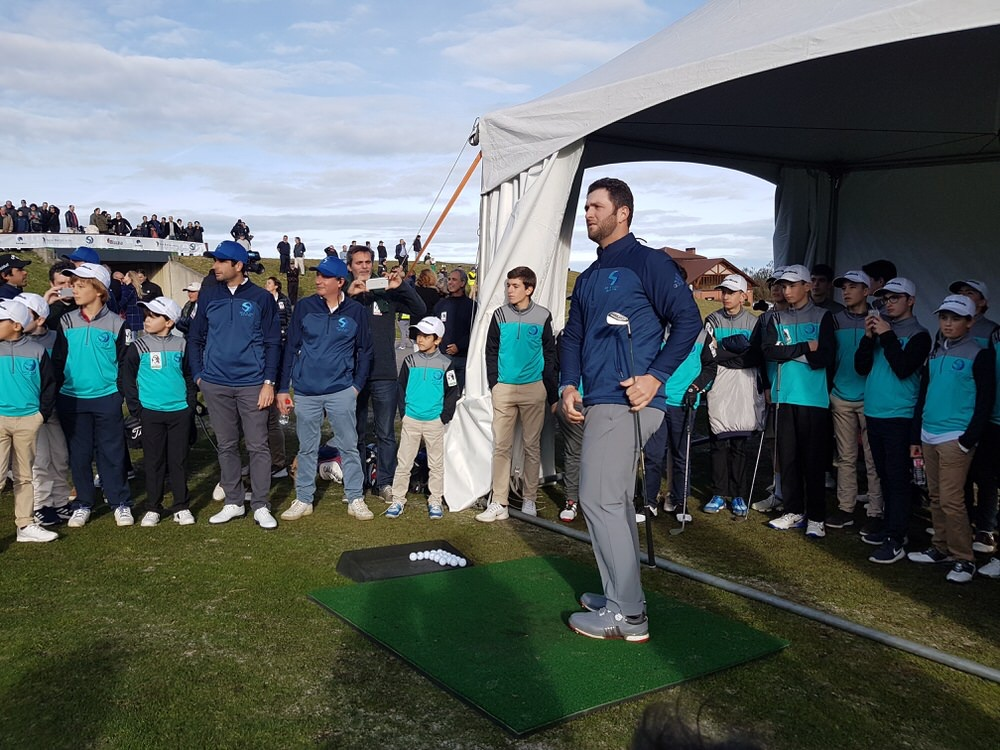 Seve&Jon golf for kids finalistas Jon Rahm.jpg
