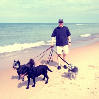Joe with Sophie, Riley & Magglio at Lake Michigan