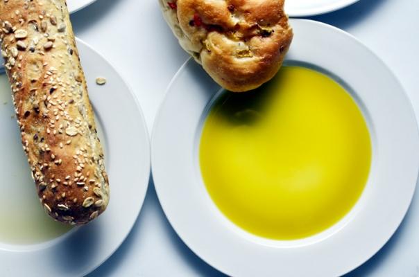 07_oil_bread.jpg